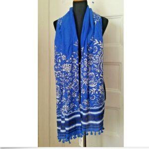 Vineyard Vines Silk Blue & White Floral Print NWT